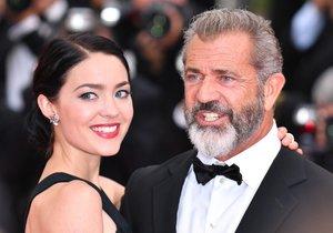 Manželce Mela Gibsona se narodil syn.