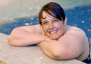 Britka se 30 let nesprchovala: Strachu z vody ji zbavila až hypnóza