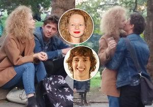 Muž, s nímž se líbala Anna Linhartová, odhalen: Je jím herec Michal Hruška z komedie Panic je nanic.