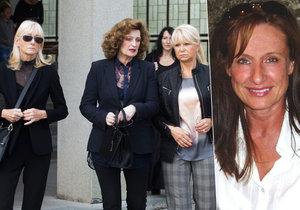 Na pohřbu Blanky Zelinkové se sešly její kolegyně manekýnky.
