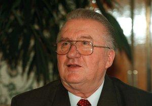 Exprezident Kováč je na jednotce intenzivní péče, uvedli ho do umělého spánku