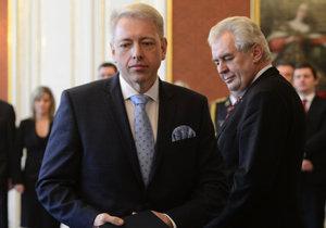 Ministr vnitra Milan Chovanec (ČSSD) a prezident Miloš Zeman