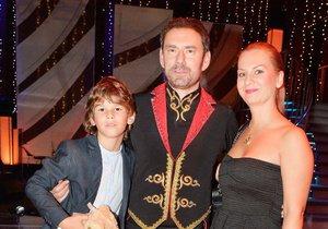 Manželka Jana a syn Giacomo nechybí na žádném přenosu.