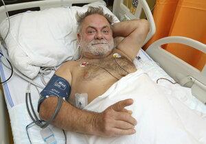 Václav Upír Krejčí má za sebou 90minutovou operaci.