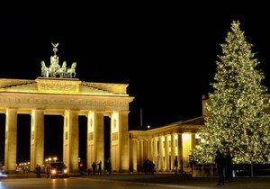 Podívejte se na nejkrásnější vánoční stromky z celého světa