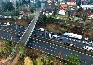 Nehoda na 21. kilometru na dálnici D1 ve směru na Brno z dronu