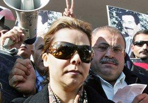 Raghad na demonstraci proti popravě jejího otce v jordánském Ammánu