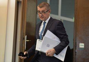 Andrej Babiš během zveřejňování výsledků státního rozpočtu za rok 2016 (na tiskovce konané 3. ledna 2017)