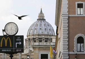 U bran Vatikánu otevřel McDonald's.