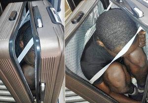 Žena skryla v kufru uprchlíka.