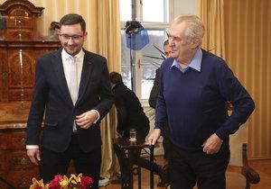 Miloš Zeman vystoupil v pořadu S prezidentem v Lánech (leden 2017), na snímku s mluvčím Jiřím Ovčáčkem