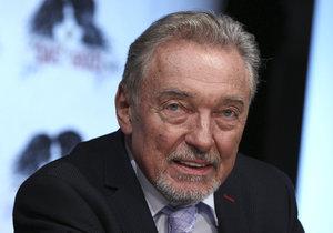 Karel Gott (77) opět onemocněl! Jeho vystoupení u prezidenta je v ohrožení