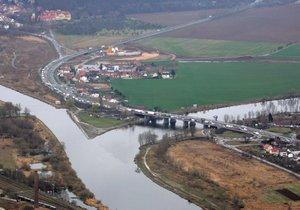 Na soutoku Vltavy a Berounky mělo vzniknout sportoviště, odborníci stavbu nepodpořili.