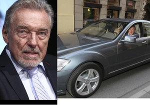 Karel Gott nesmí za volant: Jeho mercedes za 2 miliony stojí v garáži.