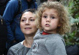 Martha Issová s rodinou v ZOO.