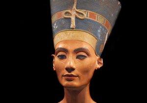 Italové slibují definitivně rozluštit záhadu hrobu královny Nefertiti.