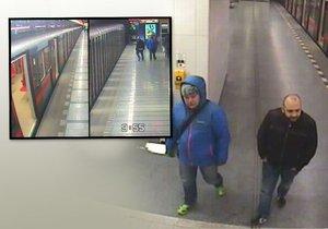 Opil se a usnul v metru: Po probuzení zjistil, že nemá mobil za 20 tisíc