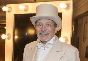Ladislav Frej si zahraje v představení Studia Dva Funny Girl s Monikou Absolonovou.