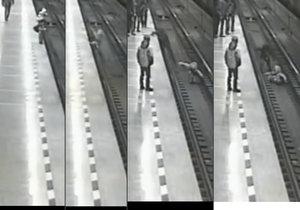 Chlapec spadl do kolejiště v metru. Zachránil ho neznámý hrdina.