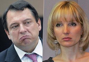 Ještě před rozchodem Jiřího Paroubka s jeho manželkou se do expremiéra pustila tchyně.