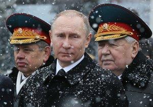 """Ruská obrana varuje před """"ostrou odvetou"""" Česka, kvůli pomníku"""
