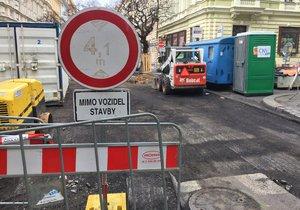 Dopravní komplikace v Řeporyjích: Silničáři rozkopou čtyři ulice