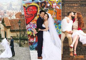 Nejehzčí svatební fotografie vznikají v okolí Hradu, u Lennonovy zdi nebo třeba u Apolináře.