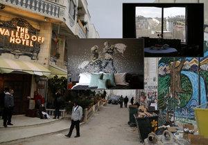 """""""The Walled Off Hotel"""" (hotel obehnaný zdmi) v Betlémě stojí přímo vedle vysoké zdi oddělující Izrael od Západního břehu Jordánu. Dekoroval ho světoznámý sprejer Banksy."""