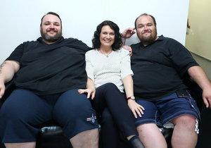 Ve Jste to, co jíte se zhubnout pokusí dva bratři Aleš a David.
