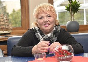 Věra Špinarová leží v nemocnici v kritickém stavu.