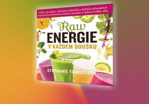 Kniha Raw energie v každém doušku je skvělou volbou, pokud chcete se smoothies začít
