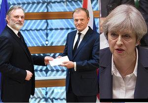 Donald Tusk přebírá dopis, oznamující odchod Británie z EU. Mayová poté předání dopisu oznámila britským poslancům.