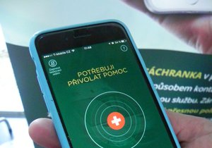 Aplikace Záchranka se v prvním roce své existence osvědčila. Do chytrých telefonů si ji v Česku stáhlo 330 tisíc lidí.