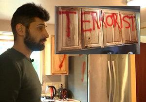 Afshar našel svůj domov poničený vandaly a plný nenávistného graffiti