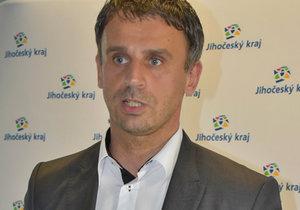 Jiří Zimola musel skončit jako hejtman jihočeského kraje. Později byl vyškrtnut z kandidátek pro sněmovní volby. Na protest proti tomu odešlo z kandidátky dalších 9 lidí.
