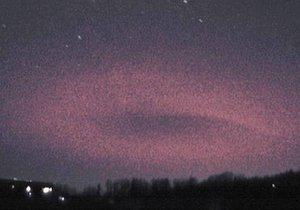 Čech Martin Popek poprvé vyfotil vzácný meteorologický jev. Obří blesk zvaný elf