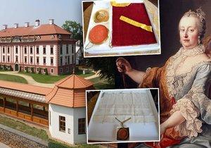 Na zámku v Kuníně vystavují privilegia od Marie Terezie.