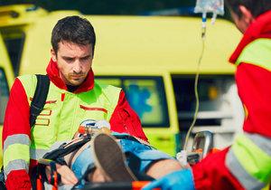 Jak zachránit lidský život? Červený kříž to bude učit v Letenských sadech
