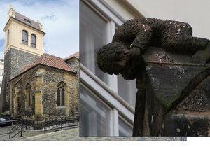 Záhada zkamenělého kluka na kostele ve Starém Městě: Kdo ho proklel?