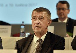Andrej Babiš (ANO) bude zajímat vyšetřovací komisi. Ta se ho zřejmě bude ptát, zda nedošlo k úniku z policejních spisů...