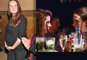 Aneta Langerová klábosila na baru s neznámou ženou. Je to náhrada za exmilenku Olgu Špátovou?