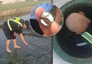 Čínský pasažér spláchl omylem svůj diamantový prsten na záchodě v letadle.