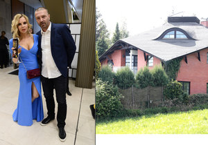 Kateřina tvrdí, že Tomáš v domě bydlí.