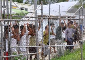 Migranti si stěžovali, že v táboře panují nelidské podmínky.