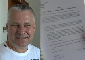 Jiří Kajínek si převzal dokumenty k milosti.
