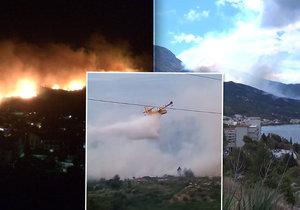 Požár v horách nad chorvatským letoviskem Podgora