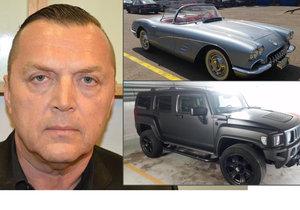 Drahá auta, šperky i nemovitosti: Policie Kočkovi a jeho kumpánům zabavila luxus za 110 milionů.