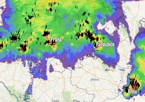 Silná bouřka nad Českem zasáhla Prahu, Brno i Pardubice
