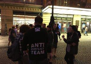 Recesistický antikonfliktní tým vyrazil do ulic Prahy.
