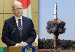 Bohuslav Sobotka mluvil v Tokiu s premiérem Abem i o hrozbě KLDR.